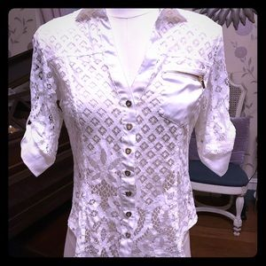 Bebe blouse XS gorgeous. Gold tone buttons